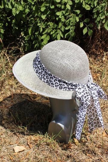 шапка асиметрична сива