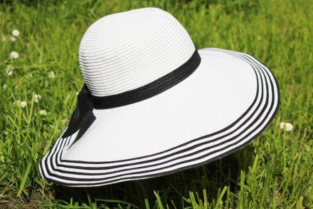 дамска широкопола шапка