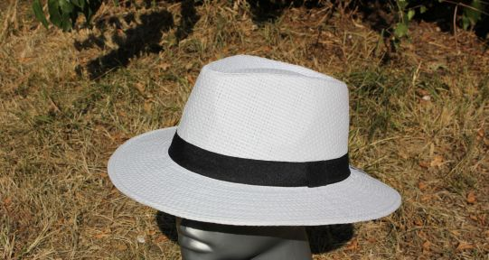 шапка Индиана Джоунс